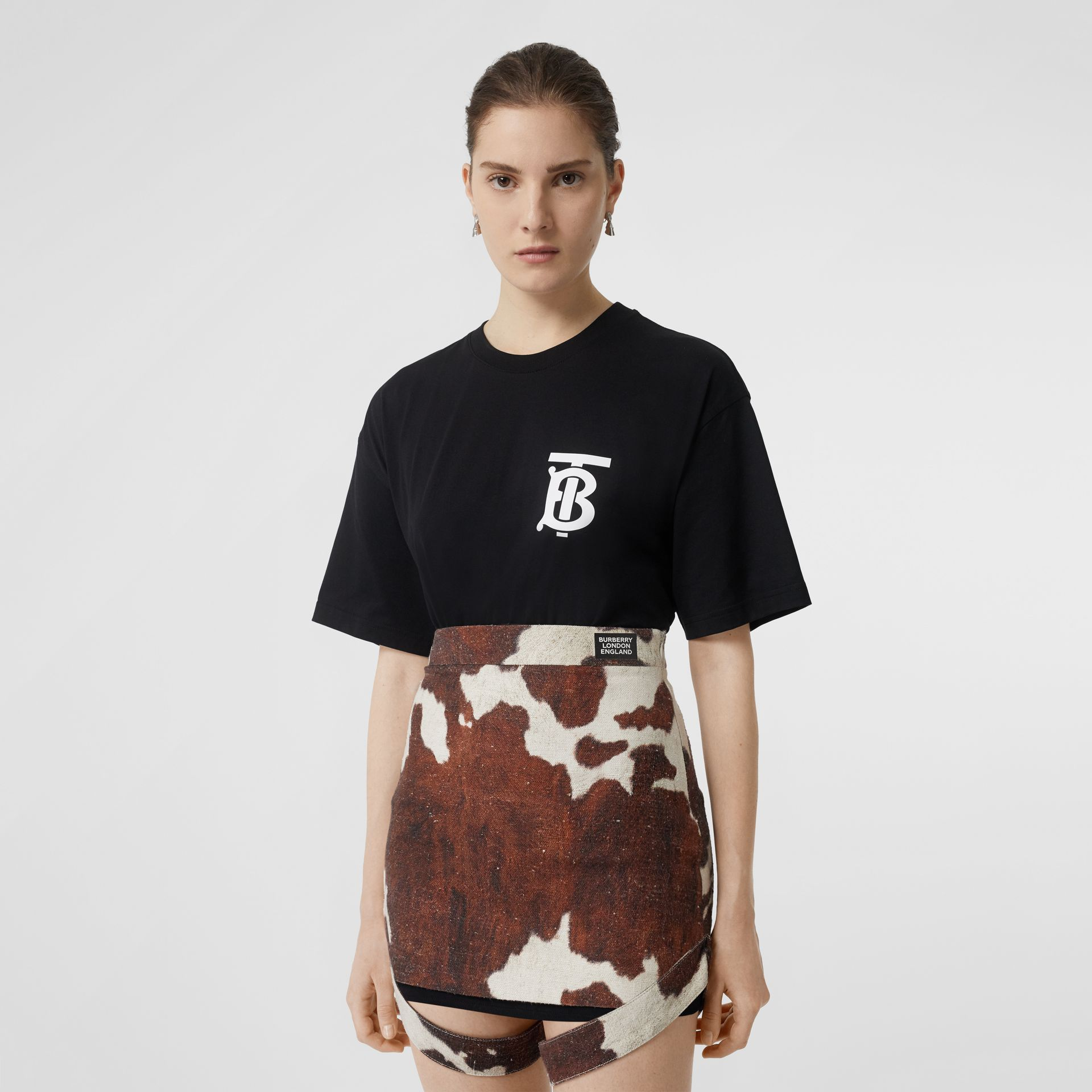 Monogram Motif Cotton Oversized T-shirt in Black - Women | Burberry Australia - gallery image 4