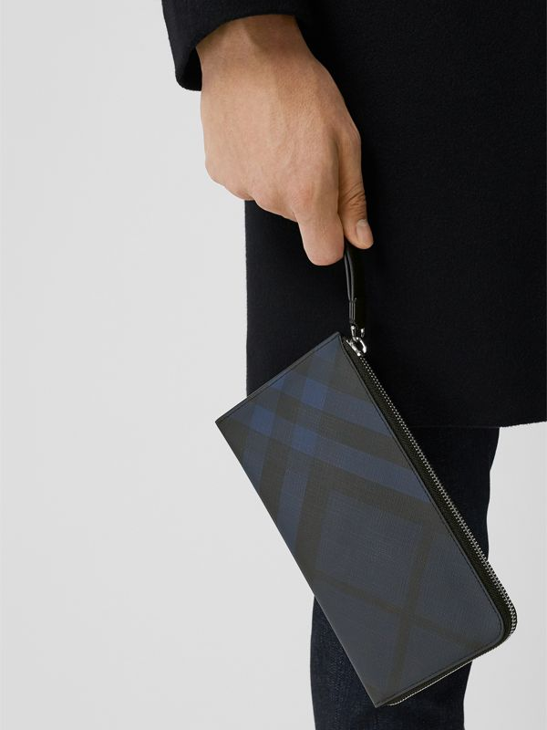 London Check and Leather Travel Wallet in Navy/black - Men | Burberry Canada - cell image 2