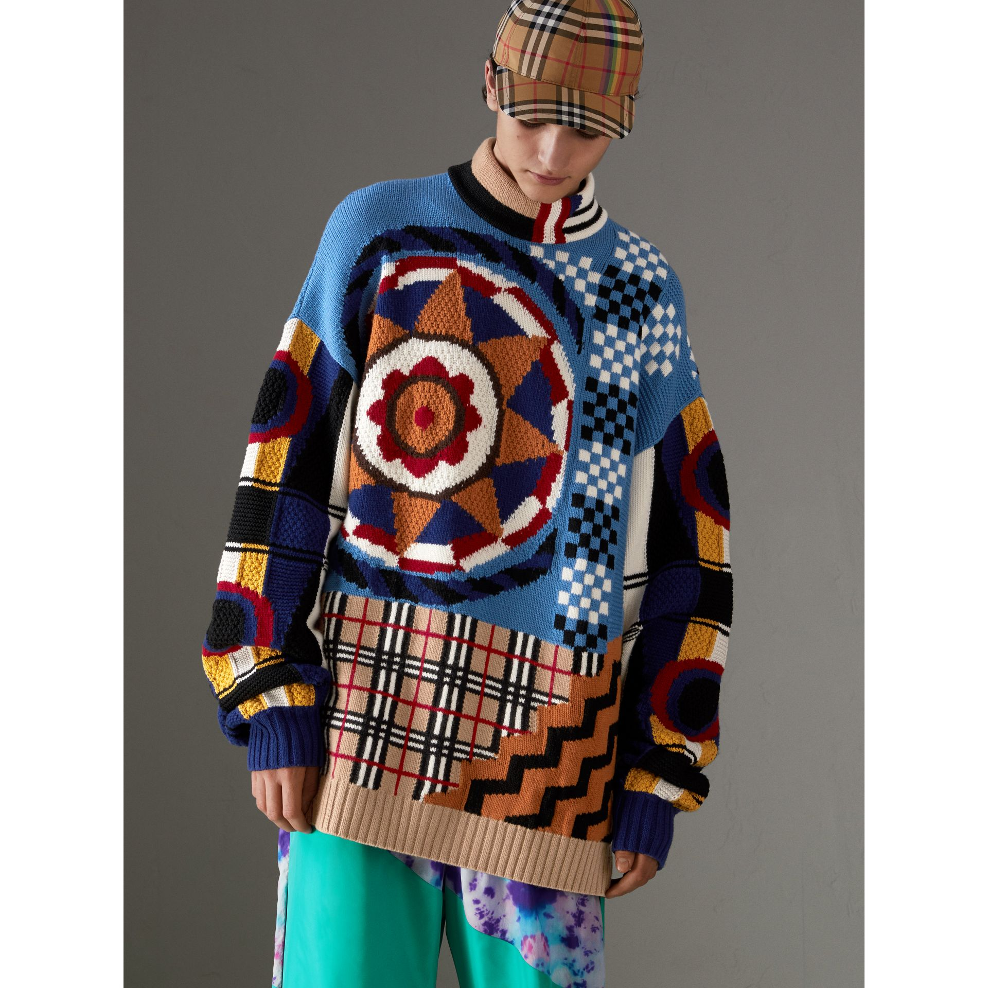 Wool Cashmere Cotton Graphic Intarsia Sweater in Multicolour | Burberry United Kingdom - gallery image 4