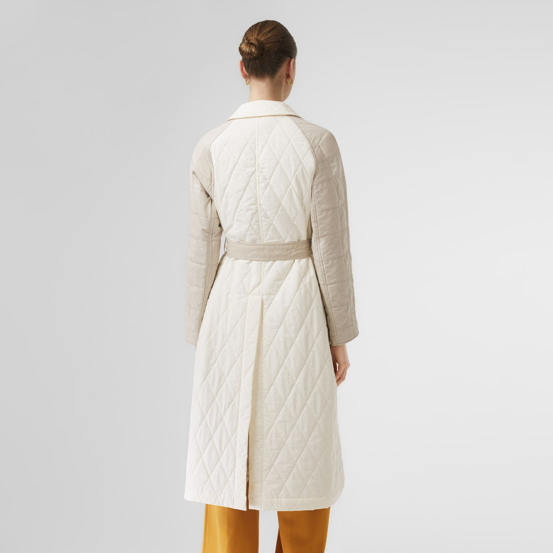 Reversible Contrast Sleeve Quilted Cotton Car Coat in Natural White - Women | Burberry - gallery image 2