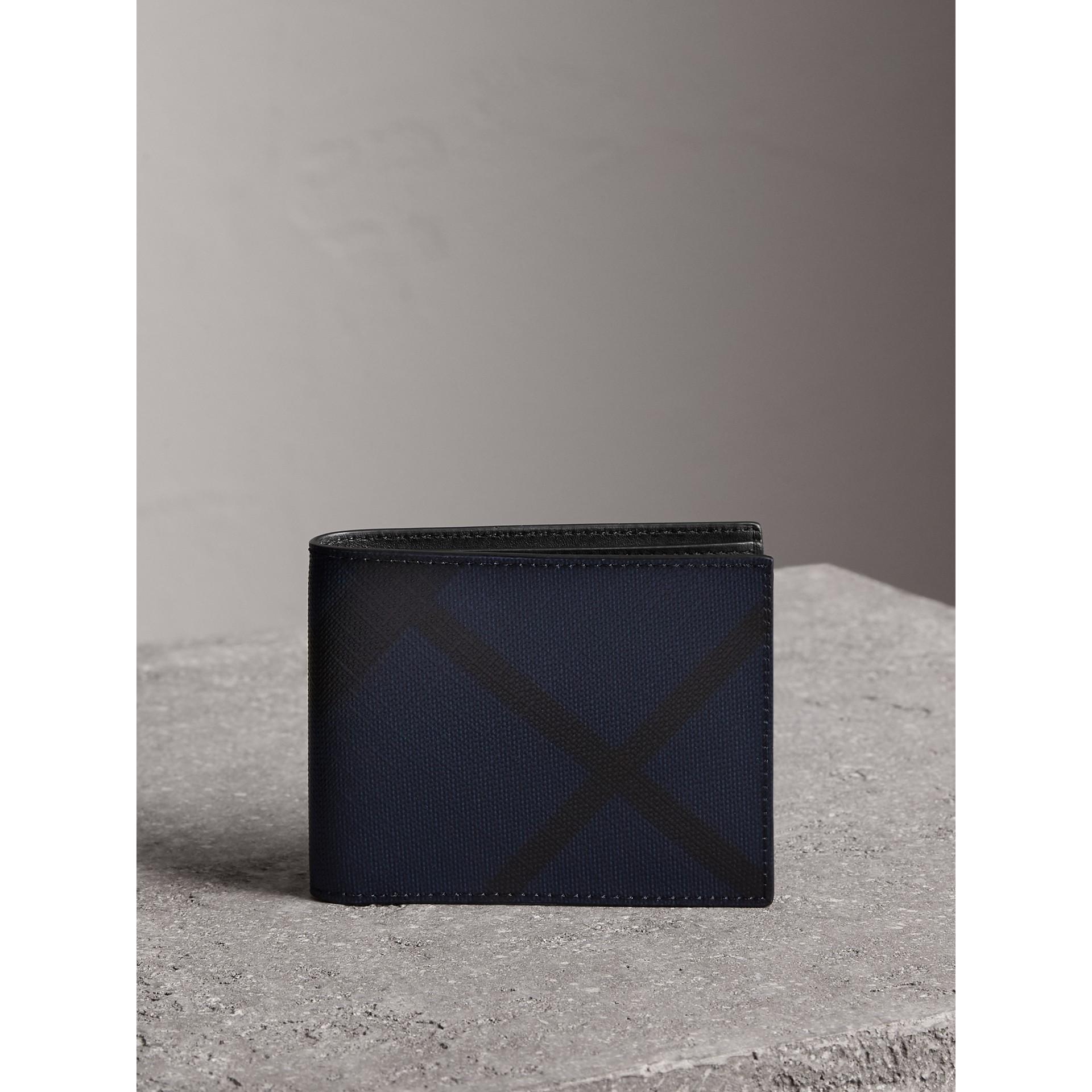ロンドンチェック&レザー バイフォールドウォレット (ネイビー/ブラック) - メンズ | バーバリー - ギャラリーイメージ 5