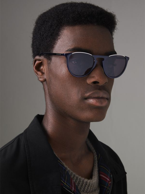 Keyhole Pilot Round Frame Sunglasses in Blue - Men | Burberry United Kingdom - cell image 3
