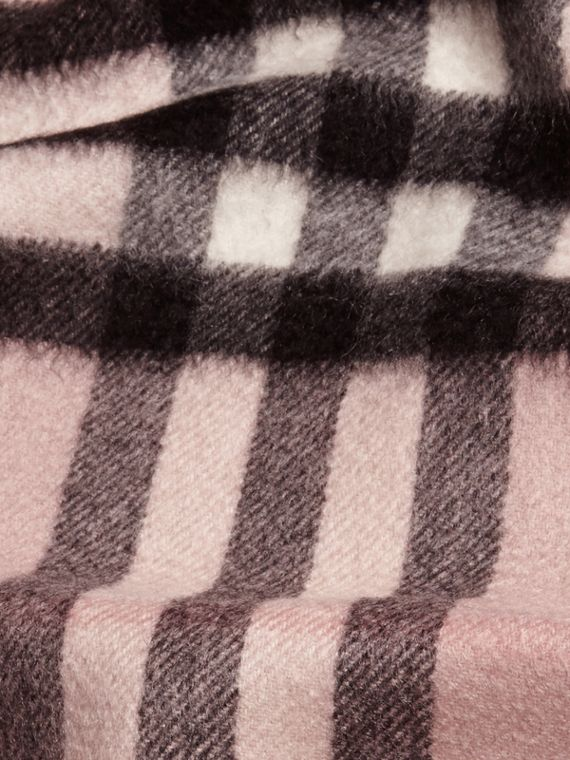 The Mini Classic Cashmere Scarf in Check Rose - cell image 3