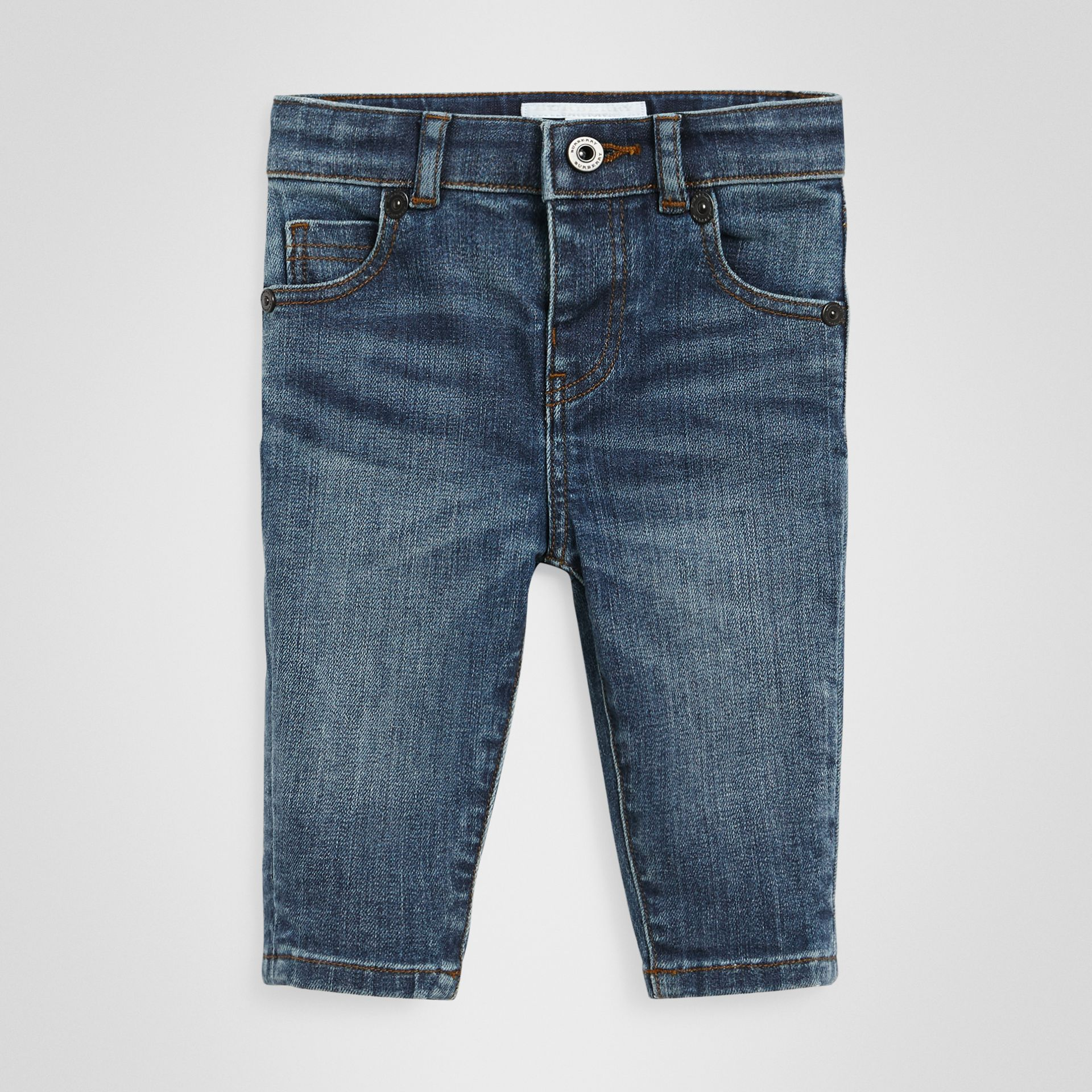 Jean skinny en denim extensible (Indigo Moyen) - Enfant | Burberry - photo de la galerie 0