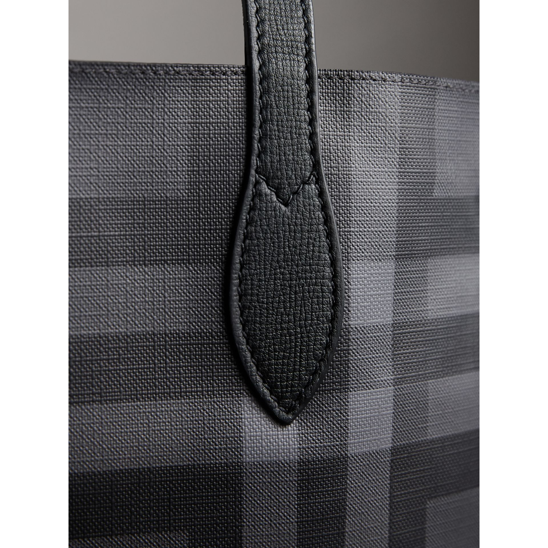 Medium London Check and Leather Tote in Charcoal/black - Men | Burberry - gallery image 2