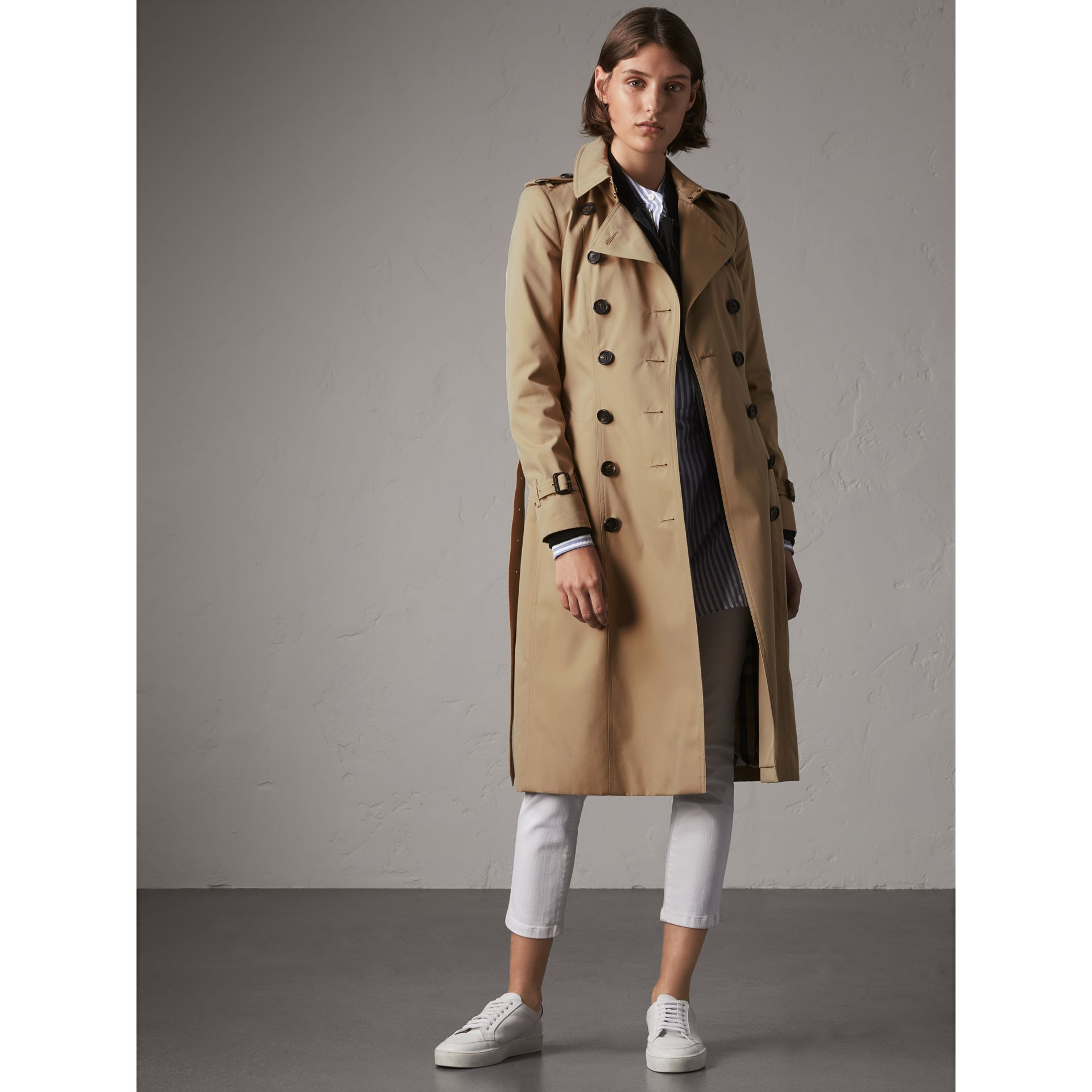The Chelsea – Extra-long Trench Coat in Honey - Women | Burberry - gallery image 8