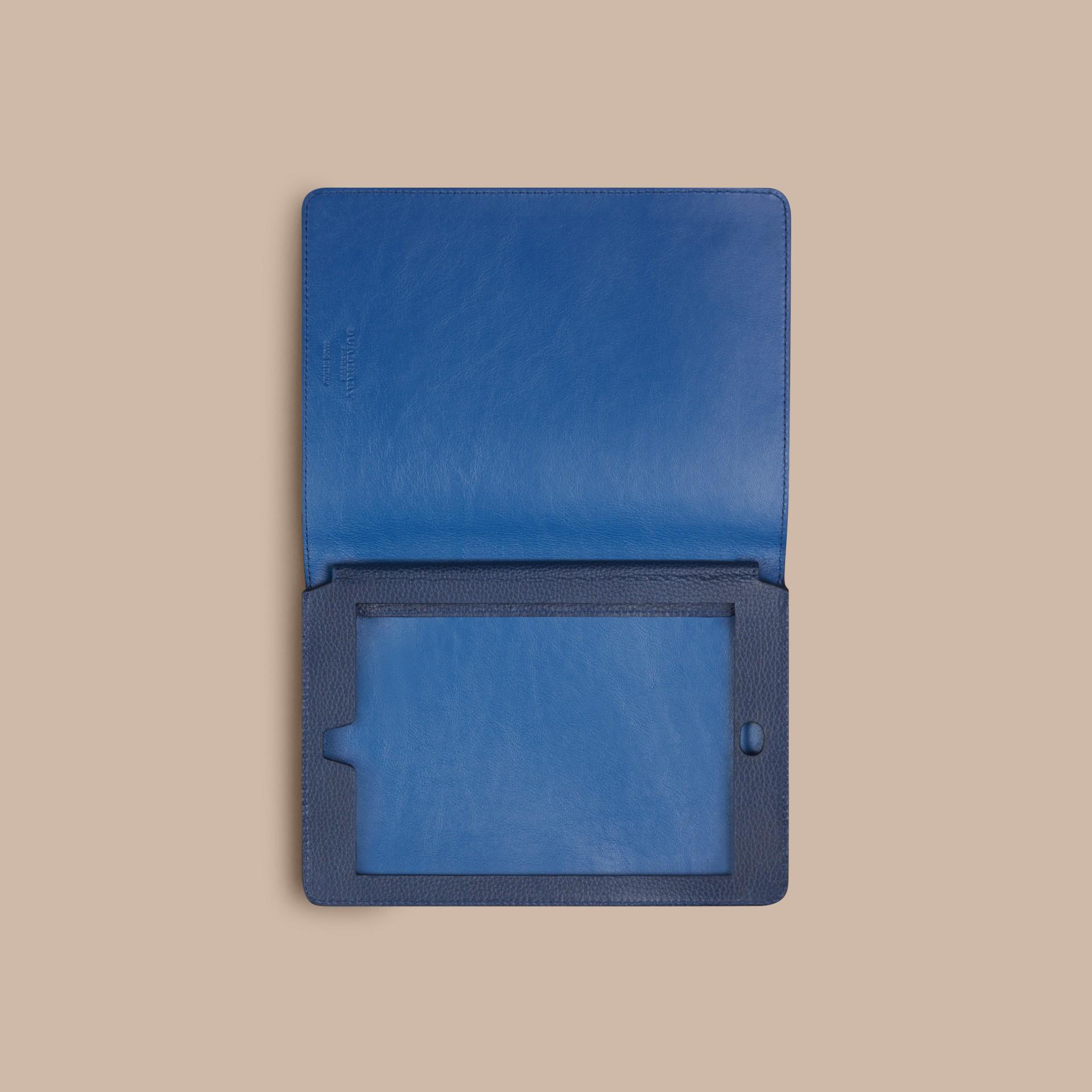 Marine vif Étui pour iPad mini en cuir grainé Marine Vif - photo de la galerie 3
