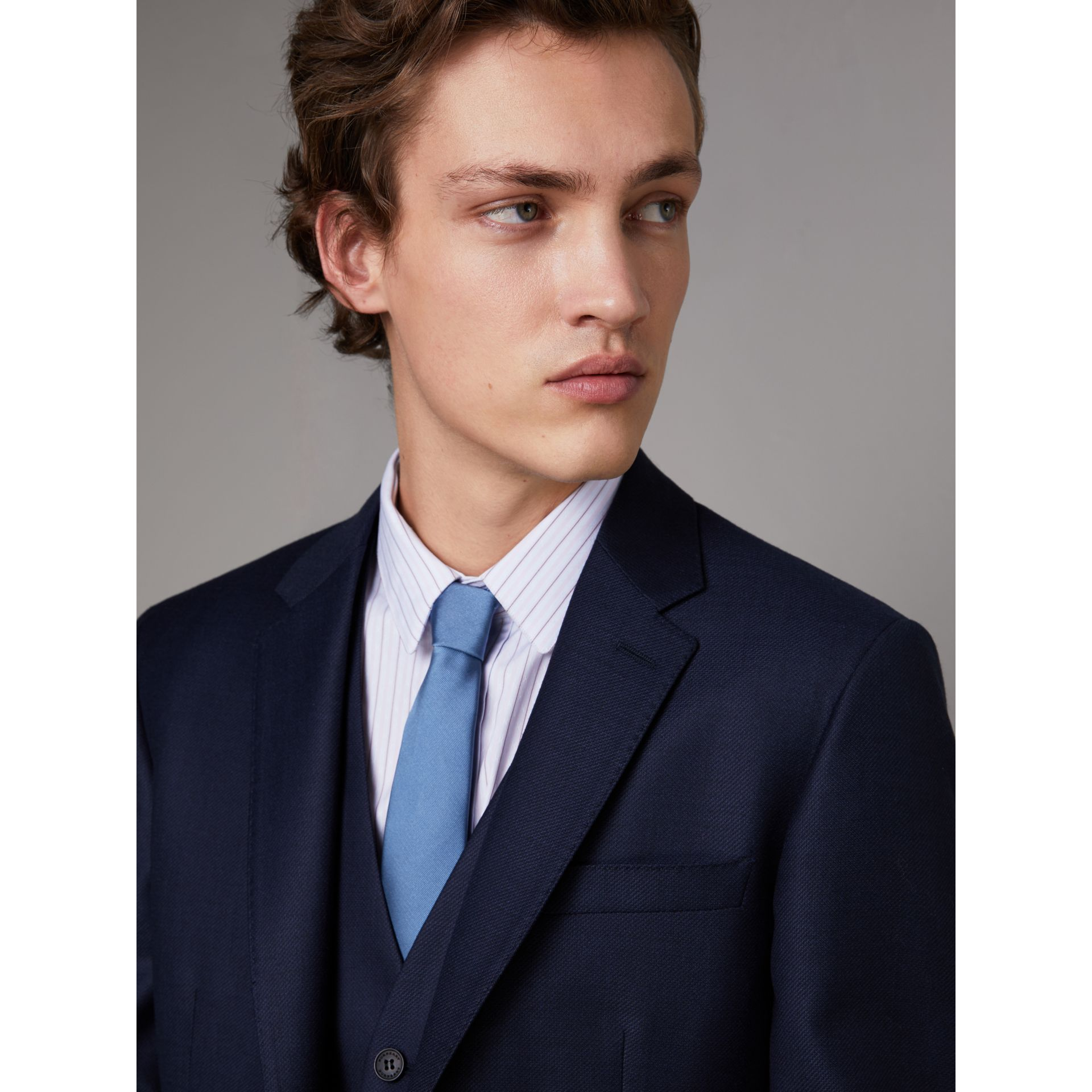 Slim Fit Travel Tailoring Wool Three-piece Suit in Navy - Men | Burberry - gallery image 4