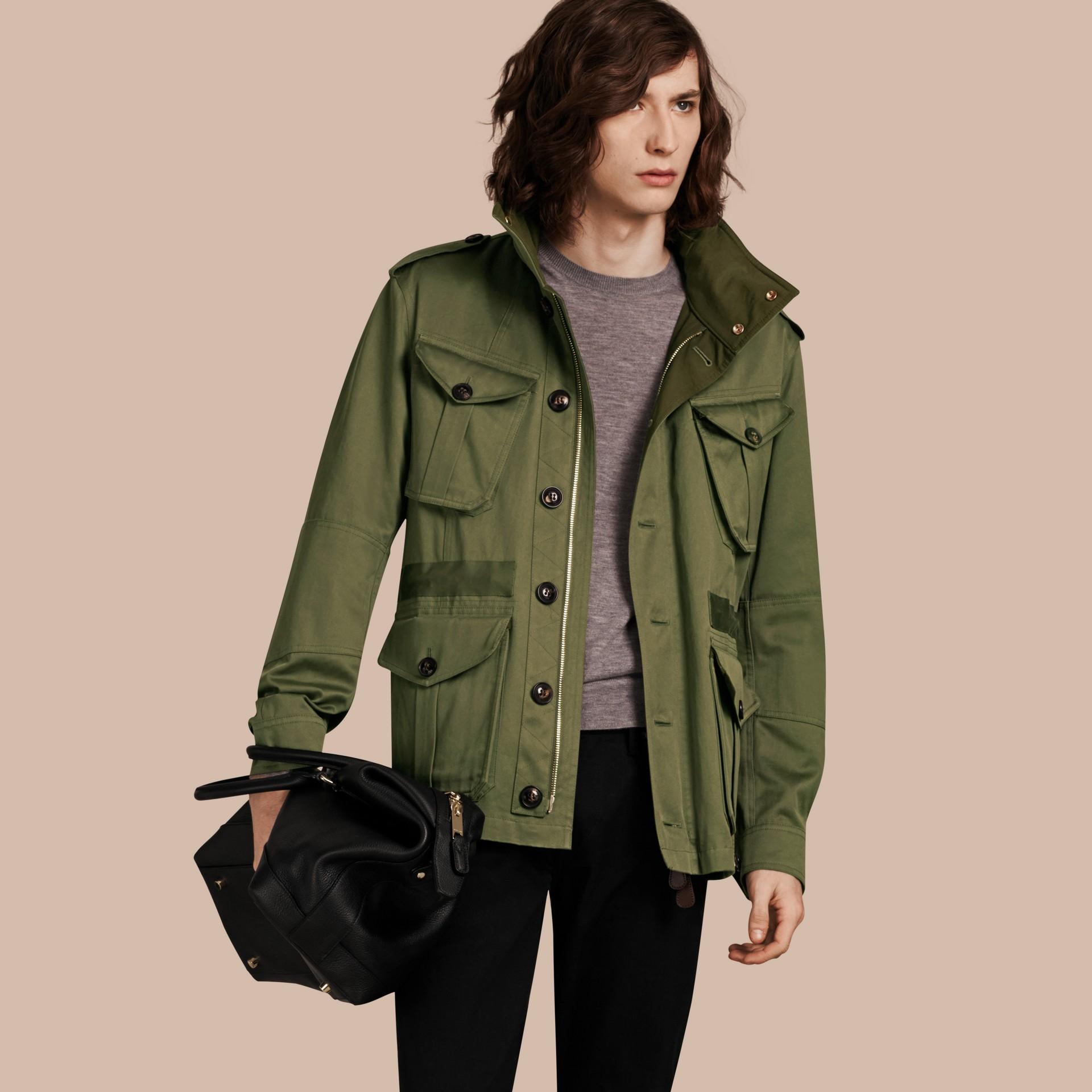 Verde oliva Jaqueta estilo militar de algodão com capuz - galeria de imagens 1