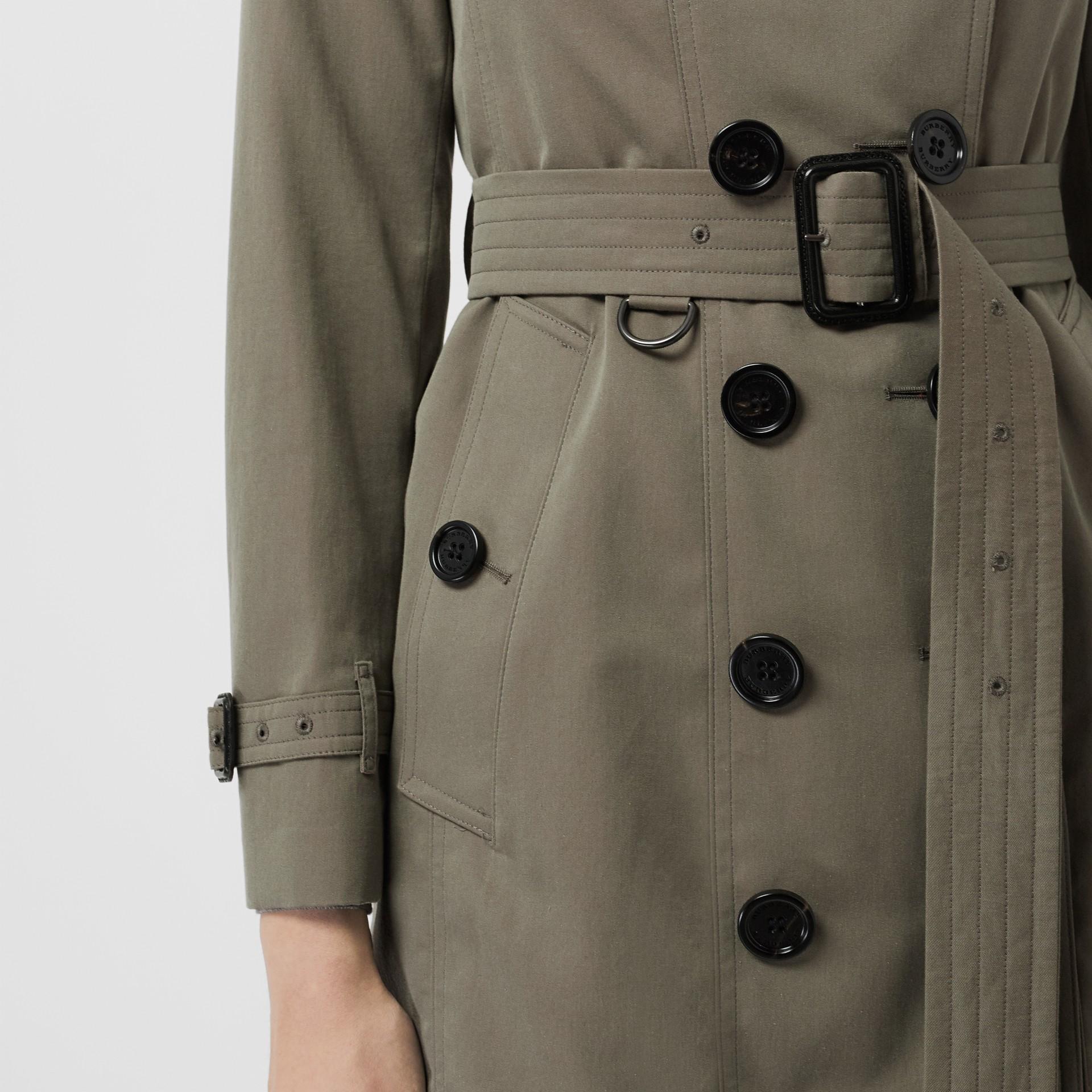 Тренч Sandringham из габардина (Зеленый Мел) - Для женщин | Burberry - изображение 1