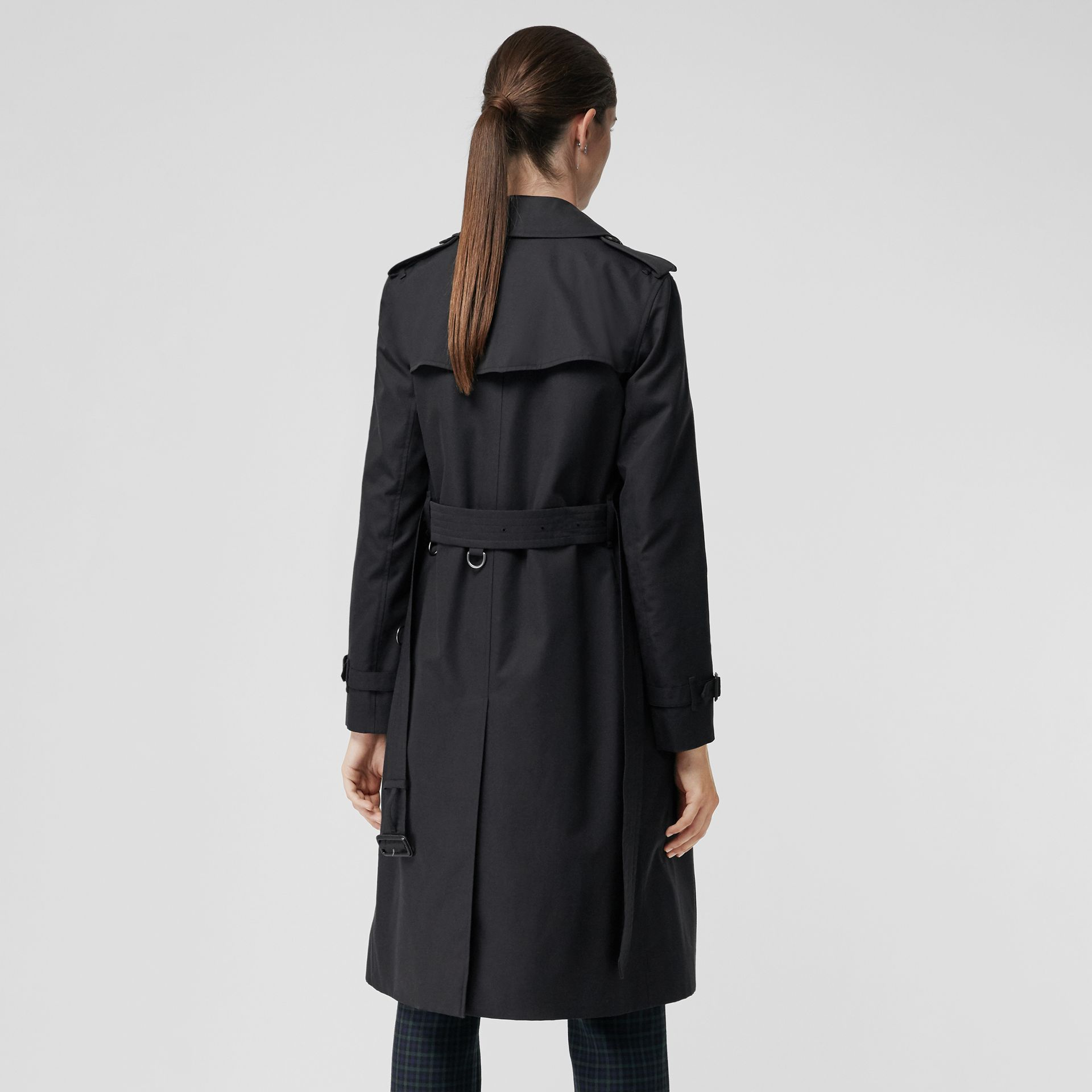 The Long Kensington Heritage Trench Coat in Midnight - Women | Burberry United States - gallery image 2