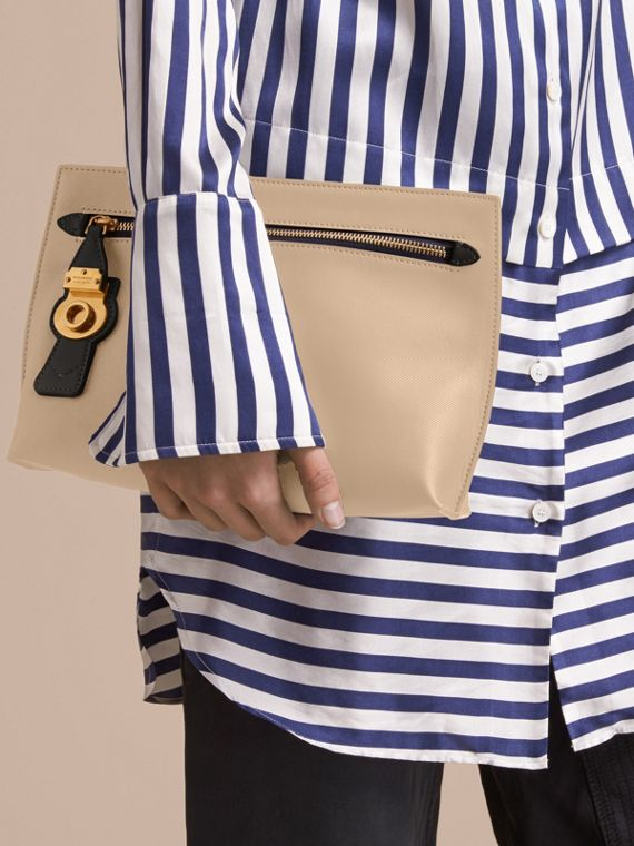Pochette da polso in pelle Trench bicolore (Calcare/nero) - Donna | Burberry - cell image 2