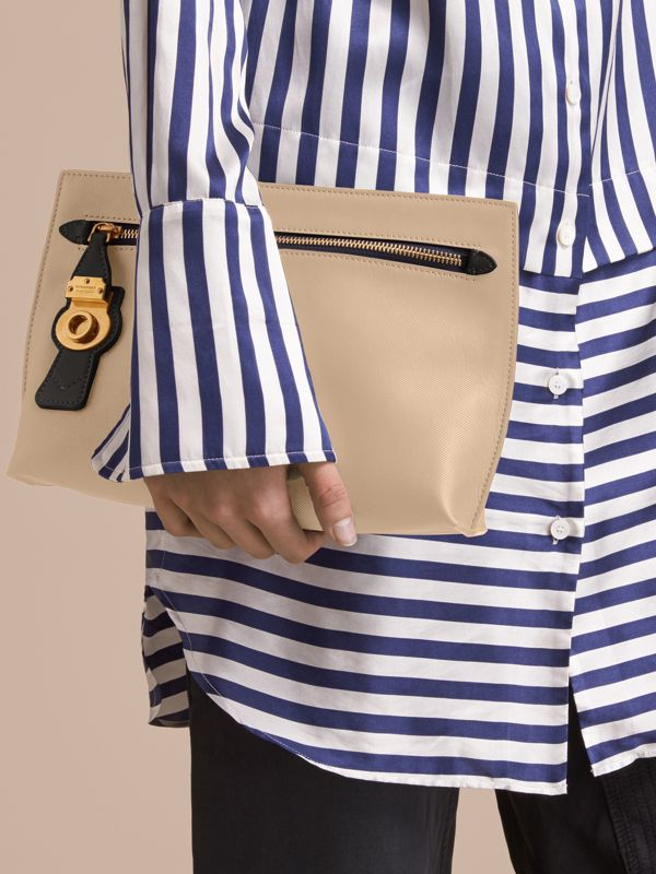 Two-tone Trench Leather Wristlet Pouch in Limestone/black - Women | Burberry United Kingdom - cell image 2
