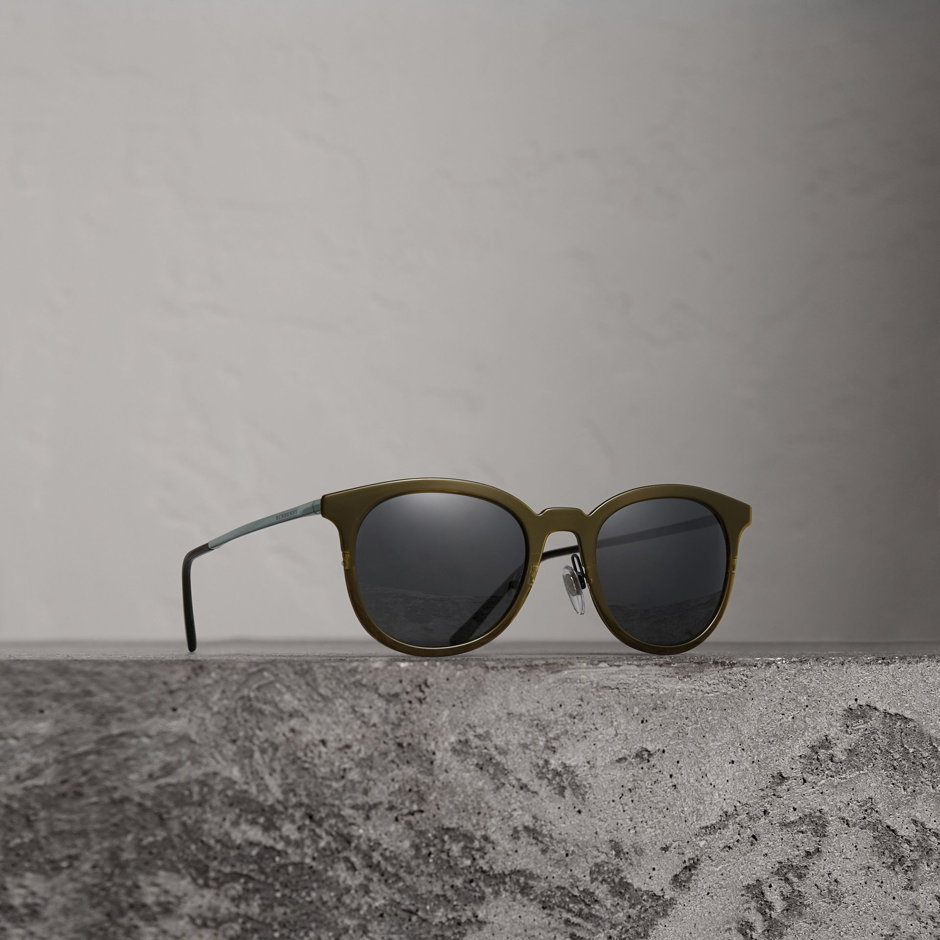 Round Frame Sunglasses in Dark Olive - Men | Burberry Singapore - gallery image 0
