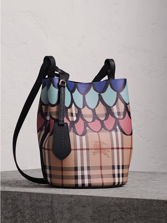 Trompe L'oeil Print Crossbody Bucket Bag in Black