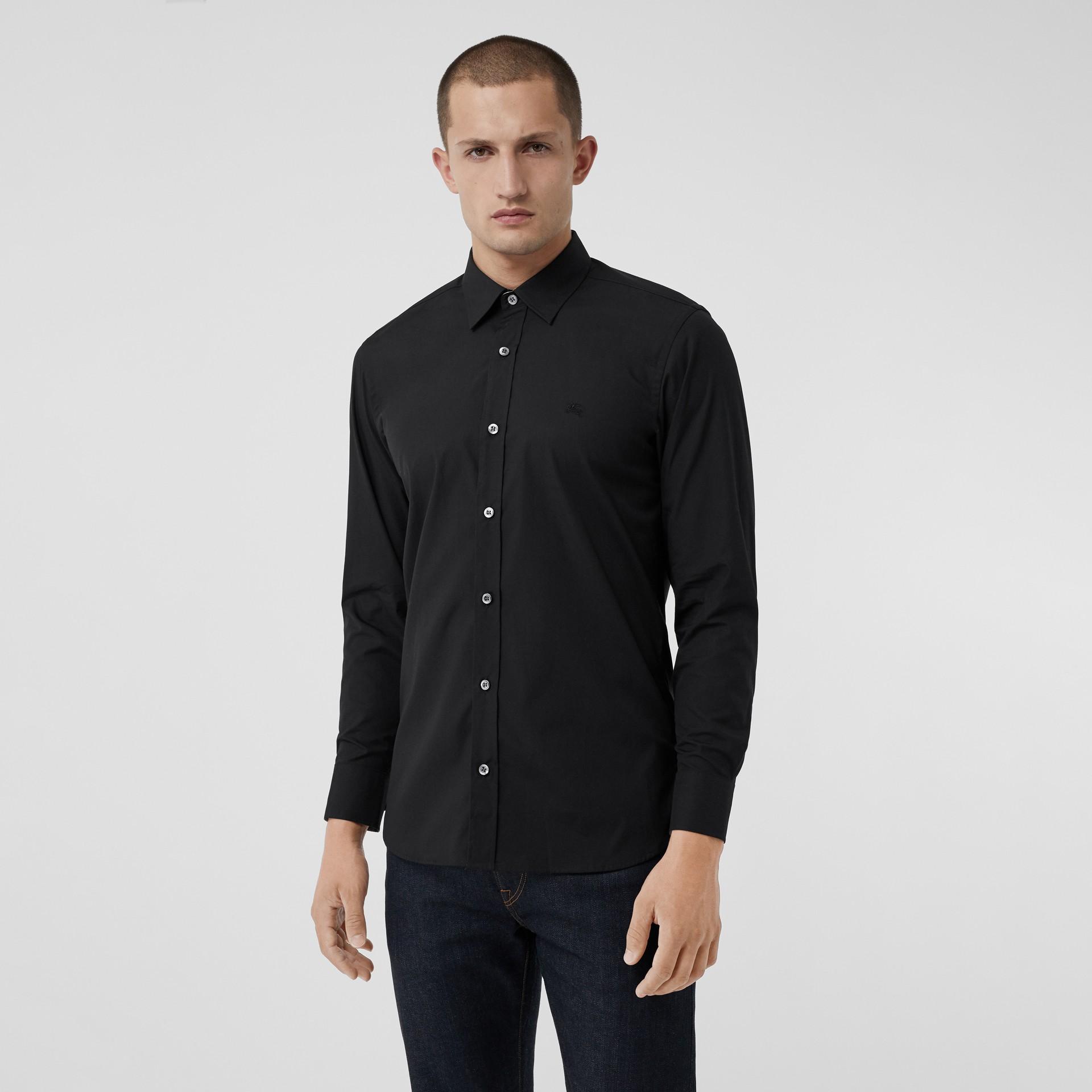 Chemise en popeline de coton extensible avec poignets à motif check (Noir) - Homme | Burberry Canada - photo de la galerie 0