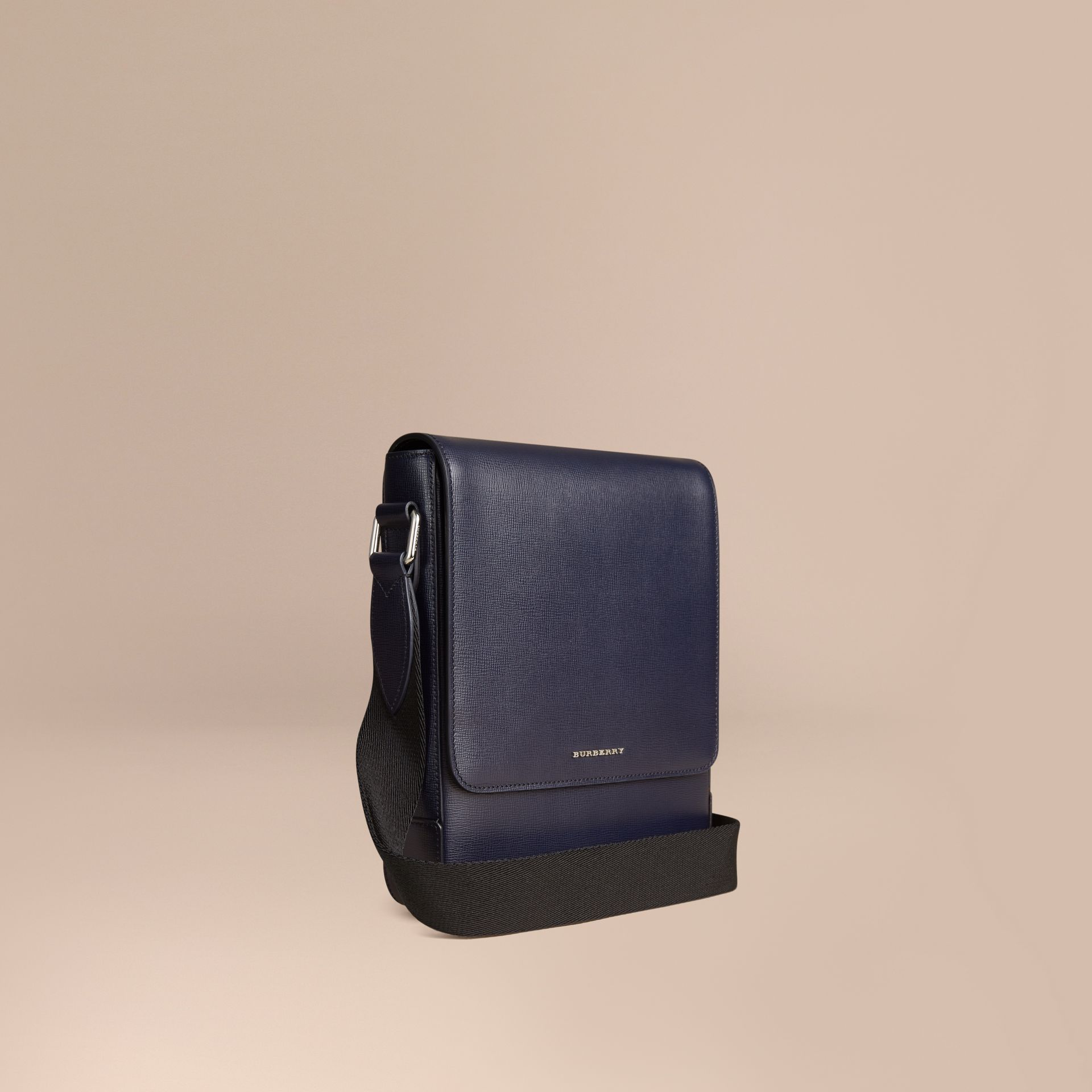 Navy scuro Borsa a tracolla in pelle London Navy Scuro - immagine della galleria 1