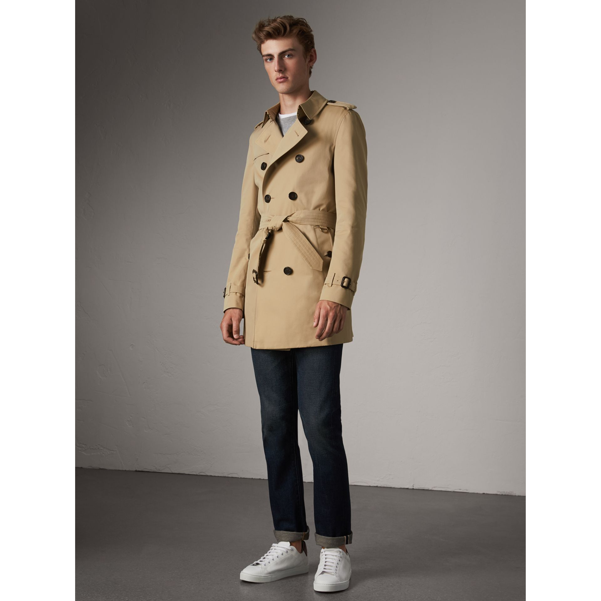 The Chelsea – Mid-length Trench Coat in Honey - Men | Burberry - gallery image 7