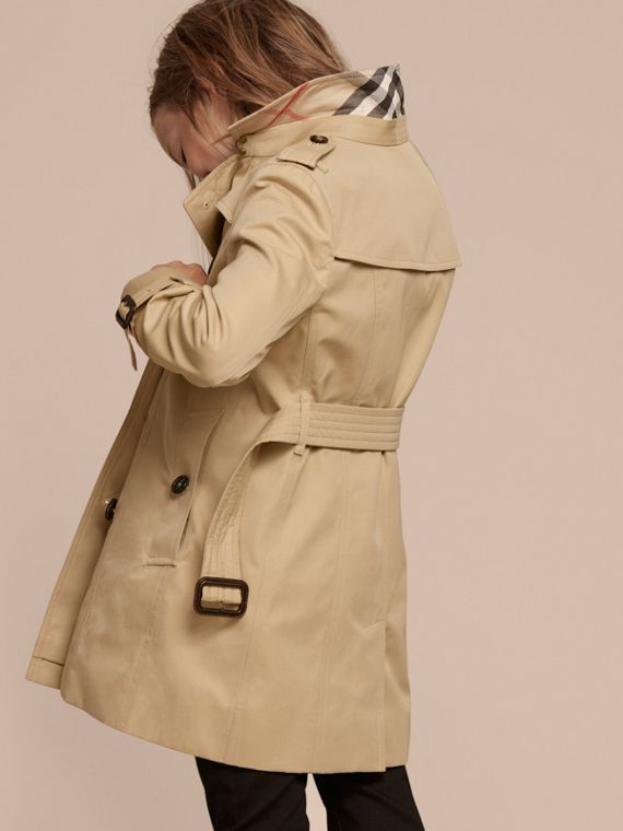 The Sandringham – Heritage Trench Coat in Honey - Girl | Burberry Canada - cell image 3