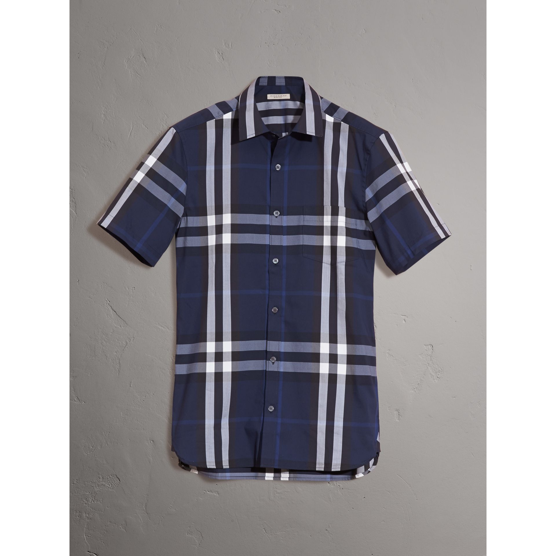Short-sleeved Check Stretch Cotton Shirt in Indigo Blue - Men | Burberry Hong Kong - gallery image 3