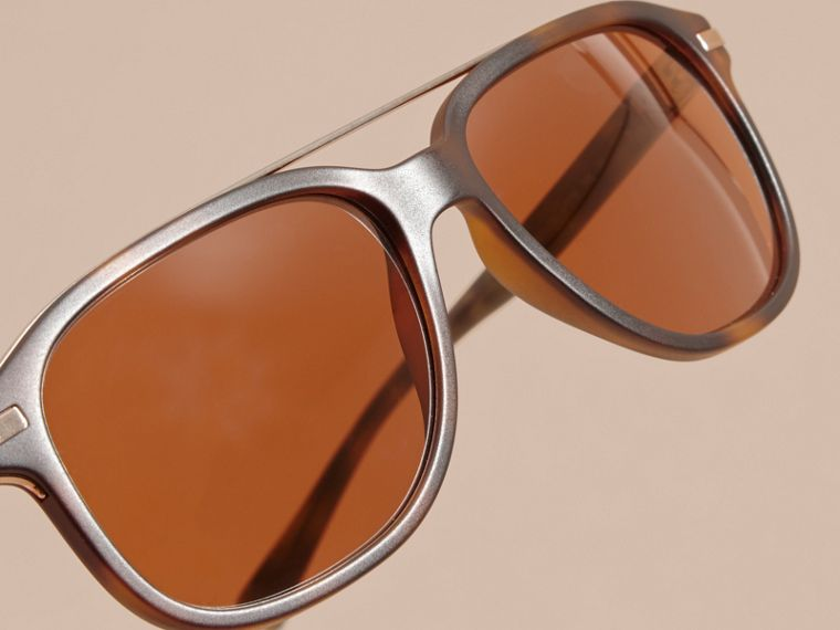 Square Frame Sunglasses in Tortoise Shell - cell image 4