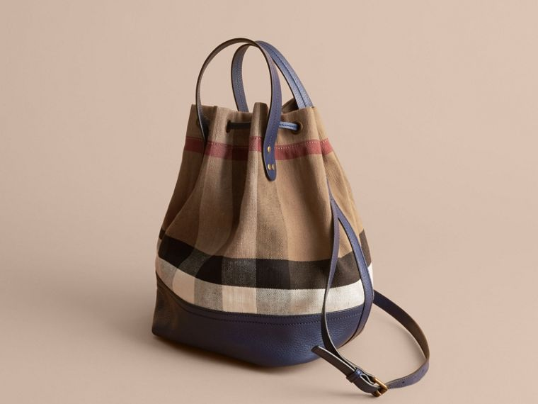 MEDIUM Canvas Check and Leather Bucket Bag in Brilliant Navy - Women | Burberry - cell image 4