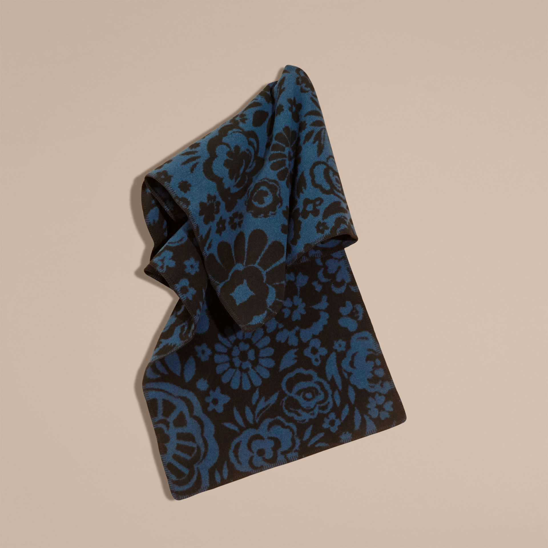 Ozeanblau Jacquard-Poncho aus Wolle und Kaschmir mit floralem Muster - Galerie-Bild 2