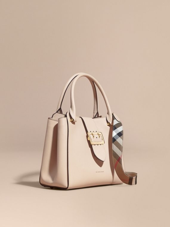 The Medium Buckle Tote in Grainy Leather in Limestone