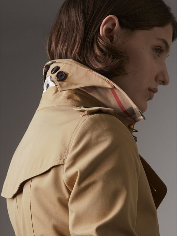 The Chelsea – Long Trench Coat in Honey - Women | Burberry United States - cell image 1