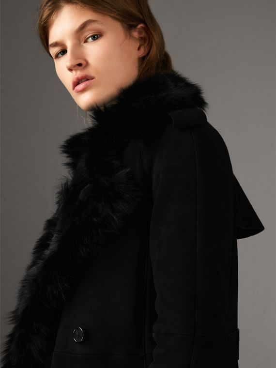 Trench coat lungo in shearling (Nero)