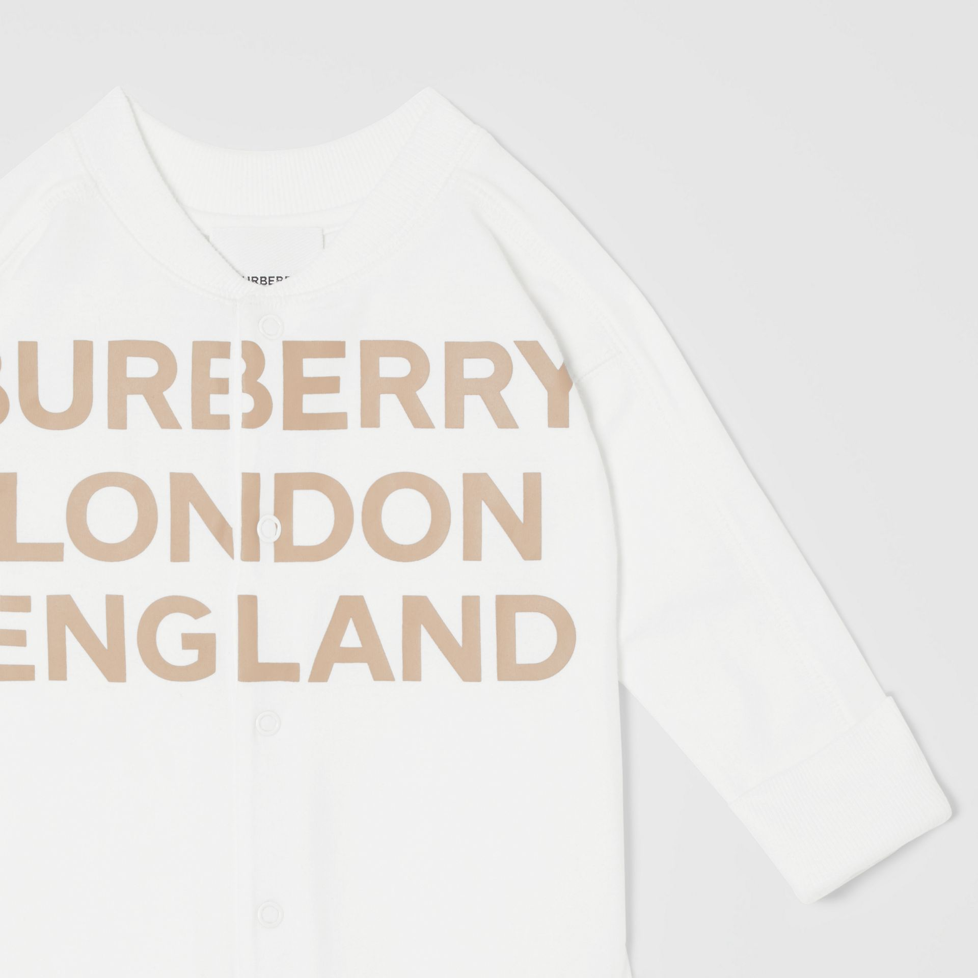 Logo Print Organic Cotton Two-piece Baby Gift Set in White - Children | Burberry United Kingdom - gallery image 6
