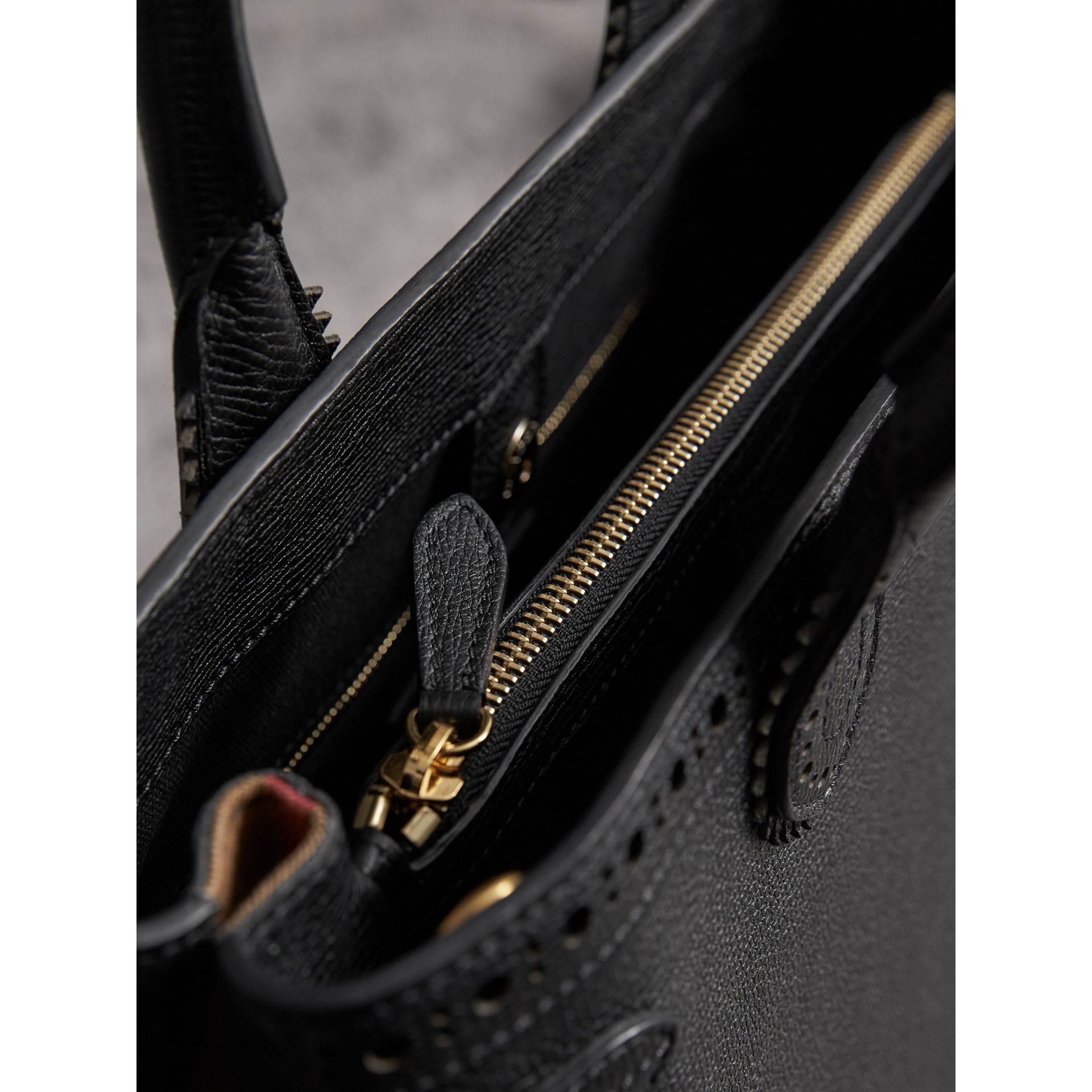 The Medium Banner in Brogue Detail Leather in Black - Women | Burberry - gallery image 5