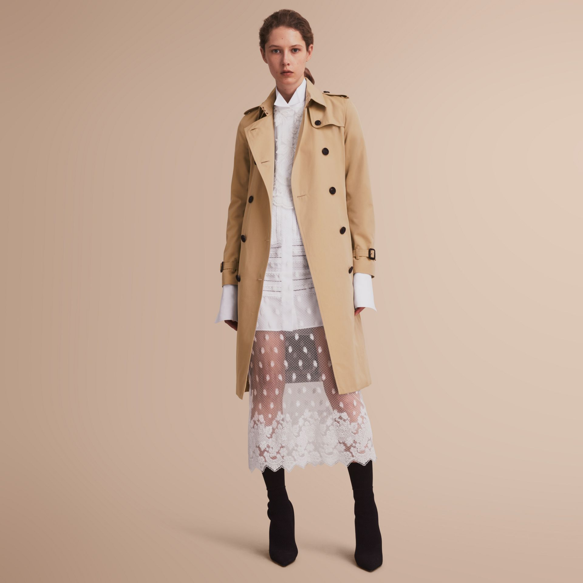 The Kensington – Extra-long Heritage Trench Coat in Honey - Women | Burberry - gallery image 7