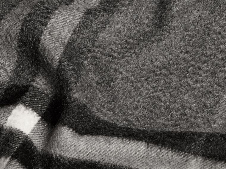 Mid grey The Classic Cashmere Scarf in Check Mid Grey - cell image 4