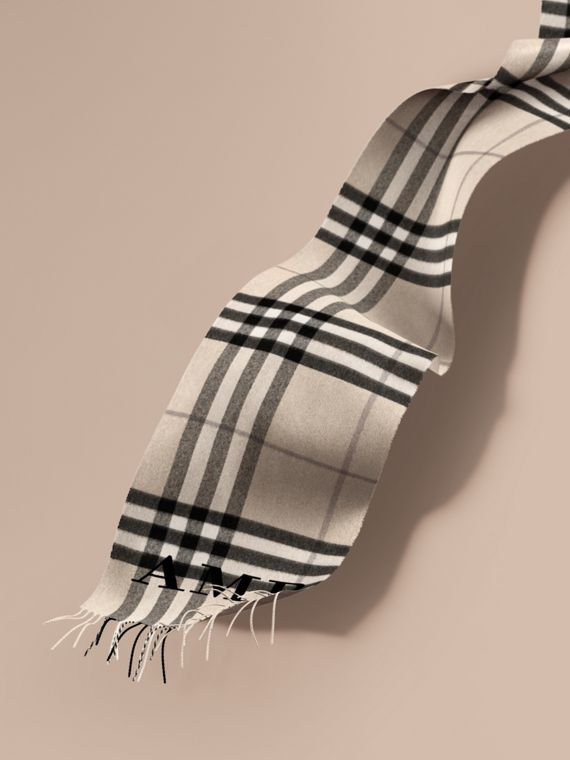 The Classic Cashmere Scarf in Check in Natural White