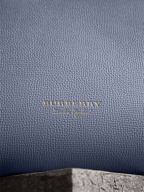 The Medium Banner in Leather and House Check in Slate Blue - Women | Burberry United Kingdom - cell image 1