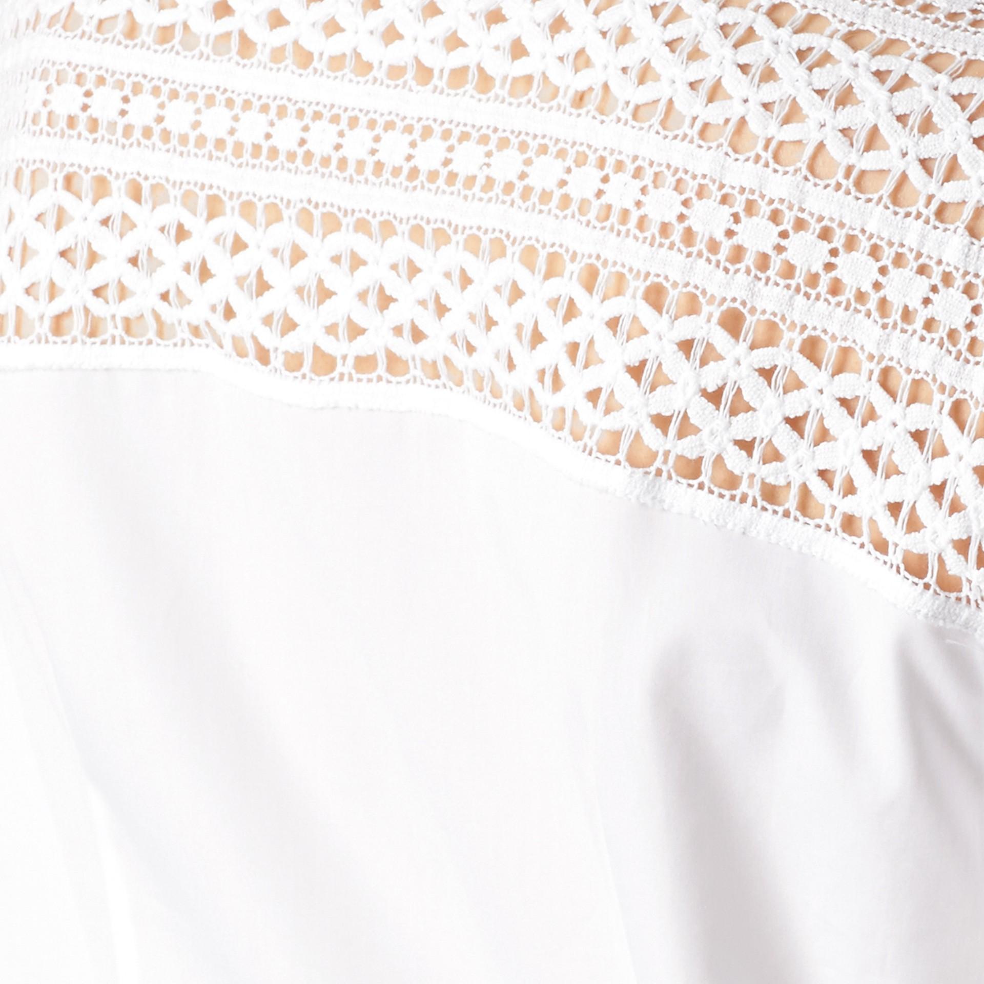 Bianco Camicia in cotone con dettagli in pizzo macramè - immagine della galleria 2