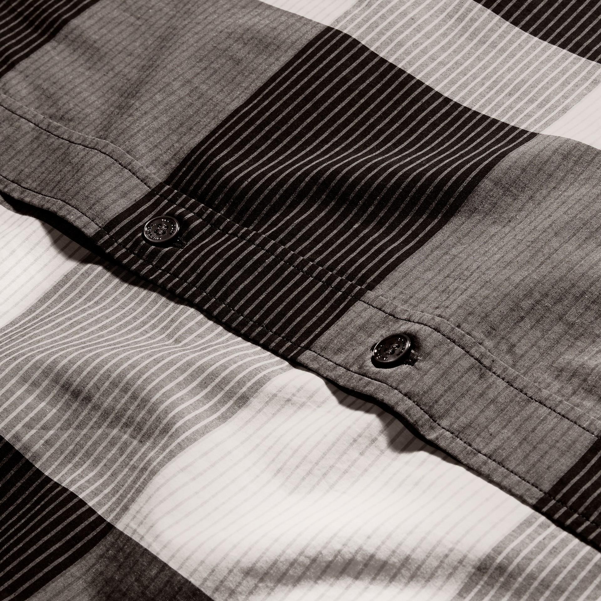 Schwarz Baumwollhemd mit grafischem Check-Muster Schwarz - Galerie-Bild 2