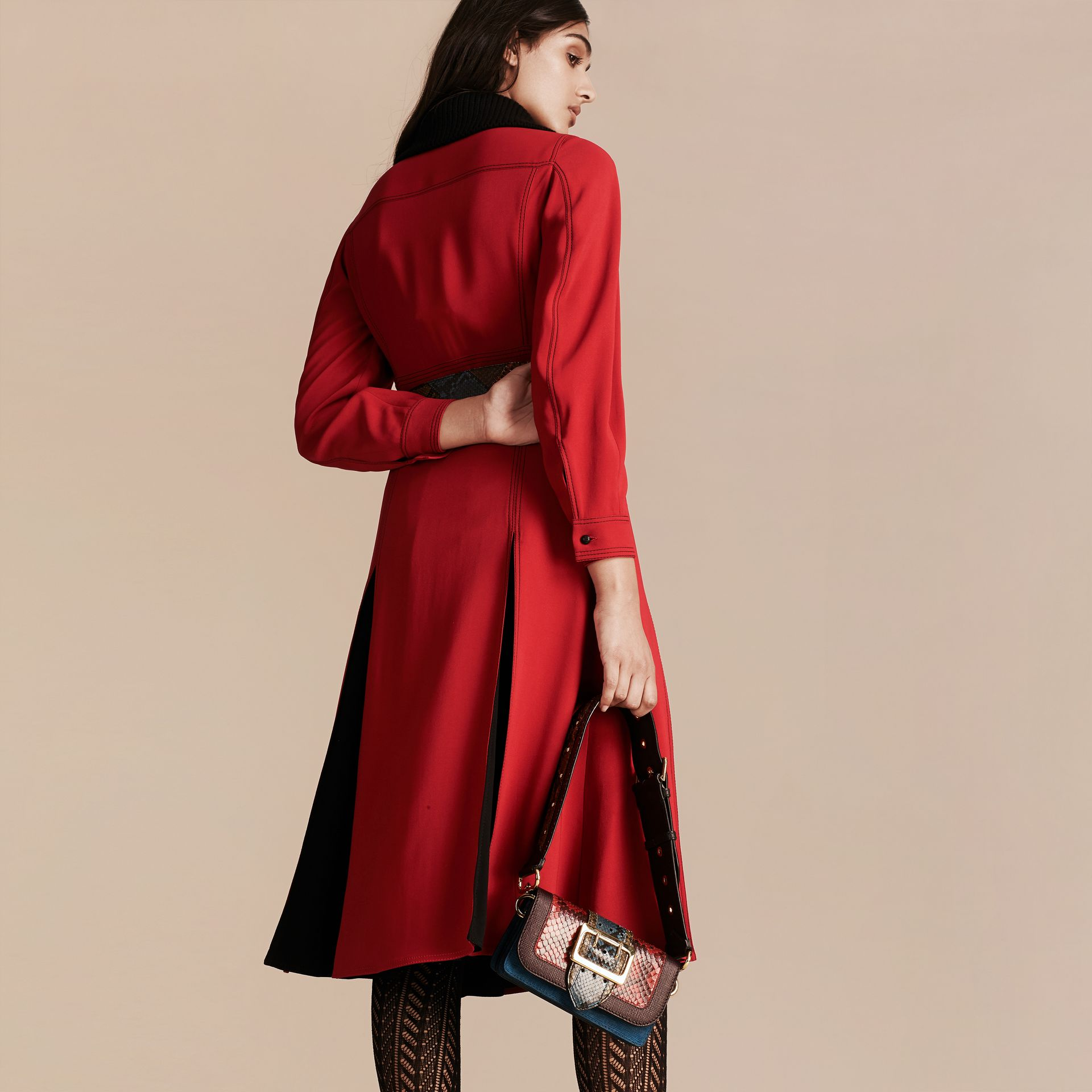 Parade red Georgette Dress with Detachable Knitted Cashmere Collar - gallery image 3