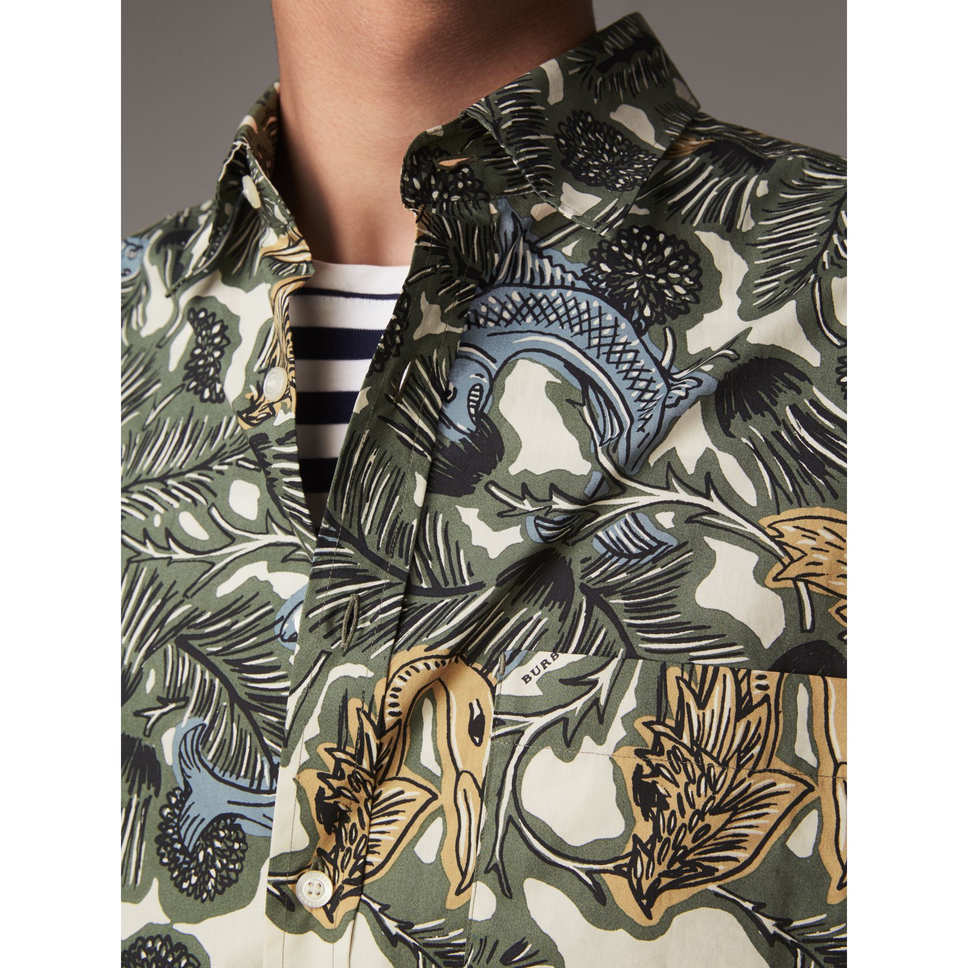 Beasts Print Cotton Poplin Longline Shirt in Sage Green - Men | Burberry - gallery image 2