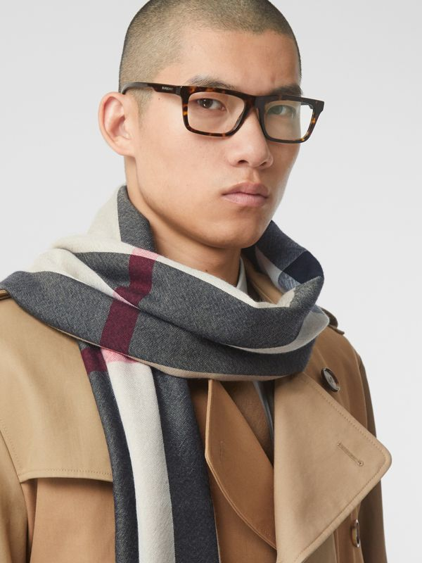Lightweight Check Cashmere Scarf in Archive Beige | Burberry Hong Kong S.A.R - cell image 3