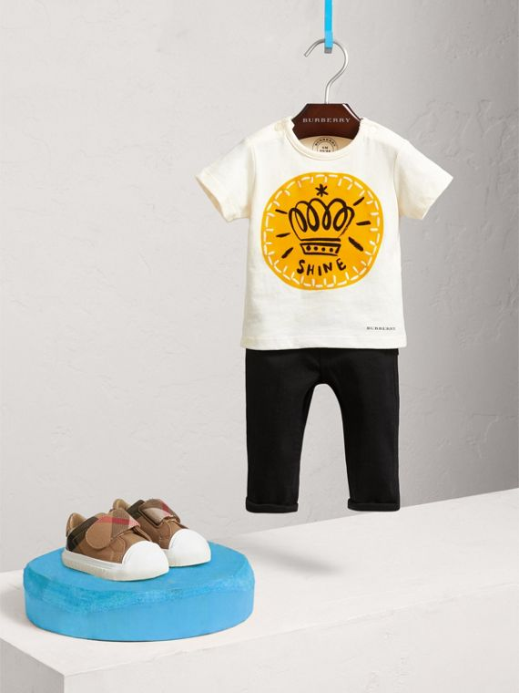 London Icons Print Cotton T-shirt in Natural White | Burberry Australia - cell image 2