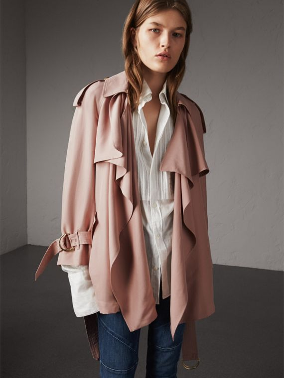 Trench coat a scialle in seta (Rosa Cenere)