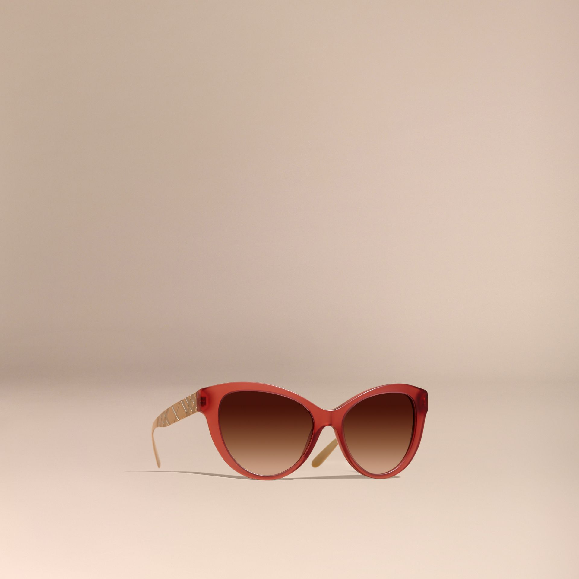Rot Cat-Eye-Sonnenbrille mit Check-Detail in 3D Rot - Galerie-Bild 1