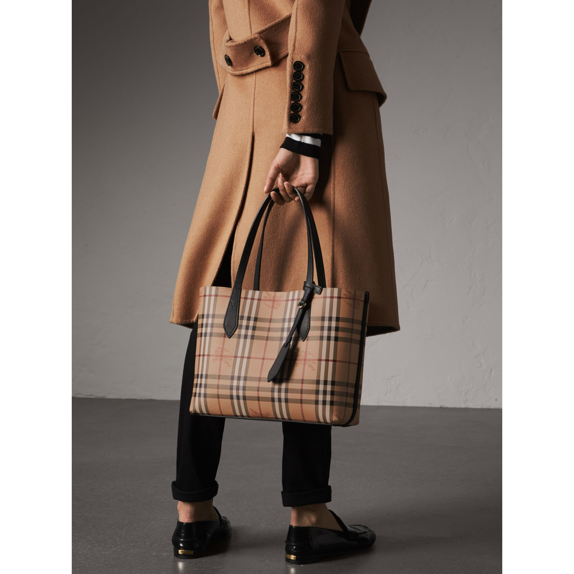 The Small Reversible Tote in Haymarket Check and Leather in Black - Women | Burberry United Kingdom - gallery image 3