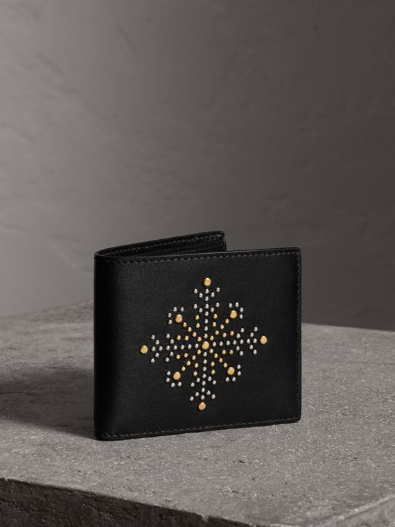 Riveted Leather International Bifold Wallet in Black