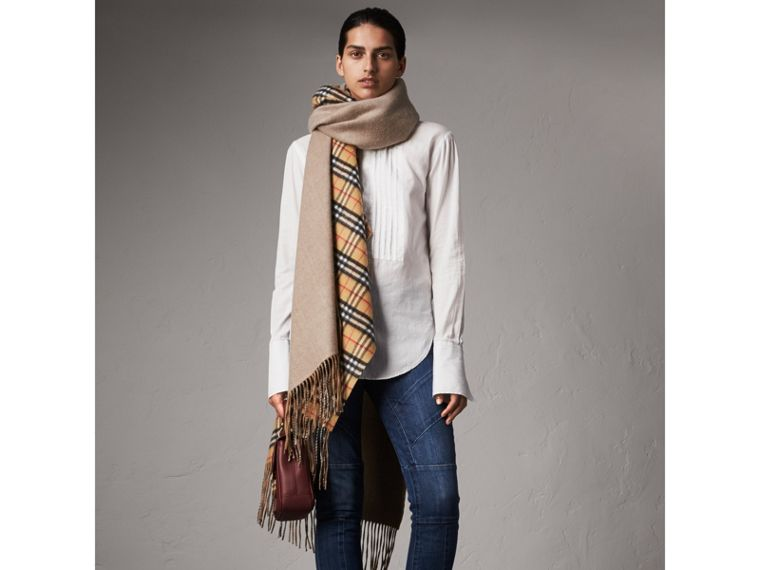 Reversible Vintage Check Cashmere Wool Poncho in Sandstone - Women | Burberry - cell image 4