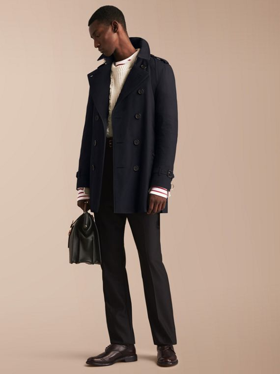 The Kensington – Mid-length Heritage Trench Coat in Navy - Men | Burberry