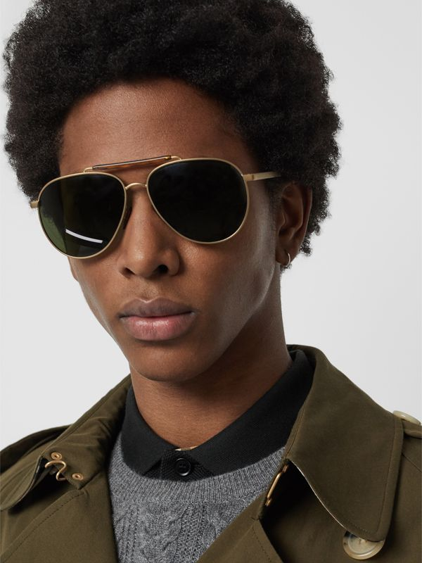 Top Bar Detail Pilot Sunglasses in Green - Men | Burberry Canada - cell image 2
