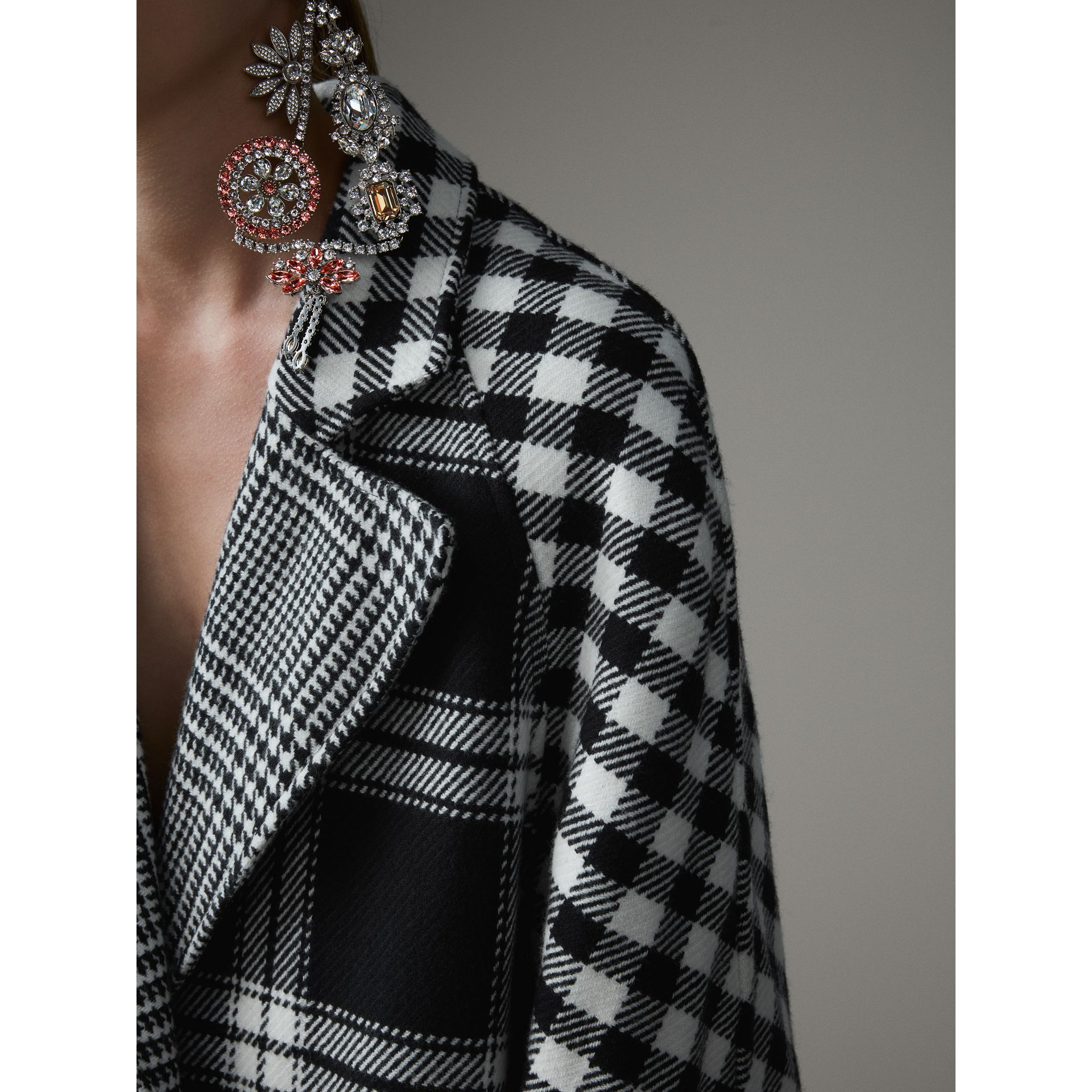 Reversible Multi-check Wool Cashmere Coat in Black/white - Women | Burberry Hong Kong - gallery image 1